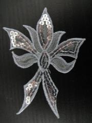 Applikation Edle Schleife in Silber m. Pailetten Nr. 24