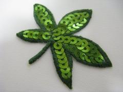 Applikation Blätter grün mit Pailetten Nr. 33