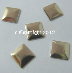 100  Formen Quadrat 7 mm Gold