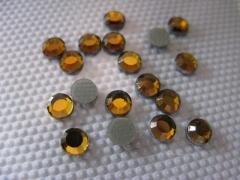 100   Strasssteine SS 16 Goldtopaz