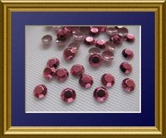 1440   Studs  3 mm Pink