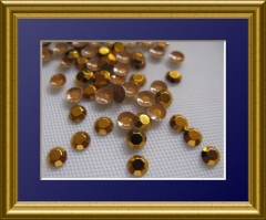 1440   Chatonrosen 4 mm Gold