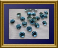360   Chatonrosen 4 mm Hellblau